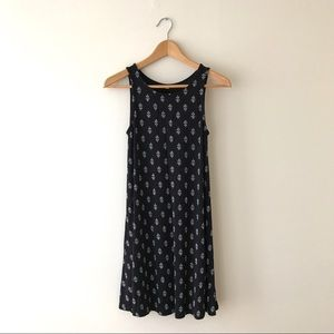 Old Navy Black Sleeveless Swing Dress